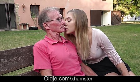 두 개의 체코 온라인 포르노에 대한 무료 레즈비언 욕실