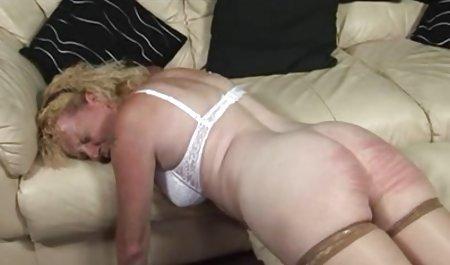 금발의 아름다운 소녀를 빠는 딜런 젠장 그녀의 음부 체코 스트리트 섹스